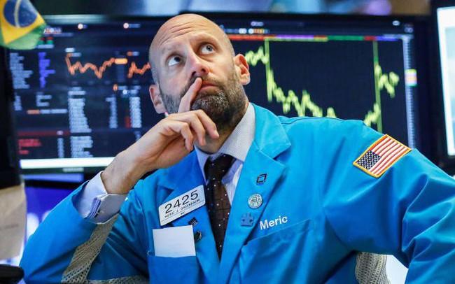 Kỳ vọng Fed hạ lãi suất trong tháng tăng cao, Phố Wall hứng khởi