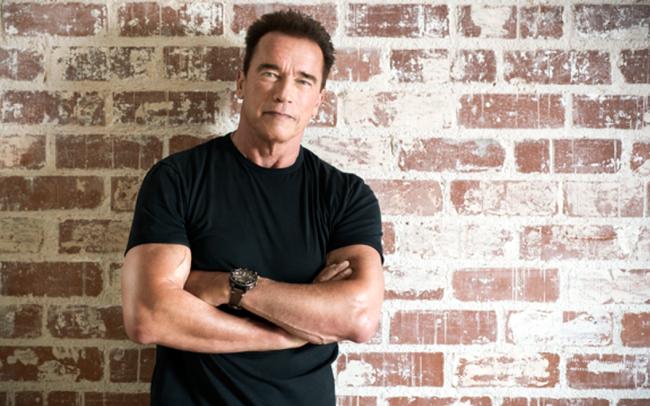 """""""Kẻ hủy diệt"""" Arnold Schwarzenegger 72 tuổi vẫn khỏe phơi phới, tất cả là nhờ chế độ ăn uống và tập luyện siêu kỷ luật này"""