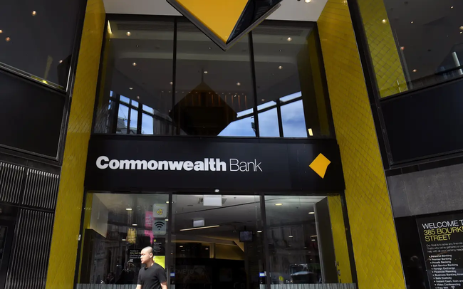 Ngân hàng lớn nhất Úc đối mặt với 87 cáo buộc vì bán bảo hiểm bất hợp pháp qua điện thoại - ảnh 1