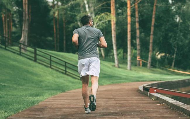Chạy bộ 10km mỗi ngày, cuộc sống của tôi hoàn toàn thay đổi: Minh mẫn, sáng tạo và thành công hơn!