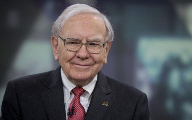 Warren Buffett có 128 tỷ USD tiền mặt dư thừa và các chuyên gia phân tích không thể hiểu được vì sao ông không sử dụng chúng