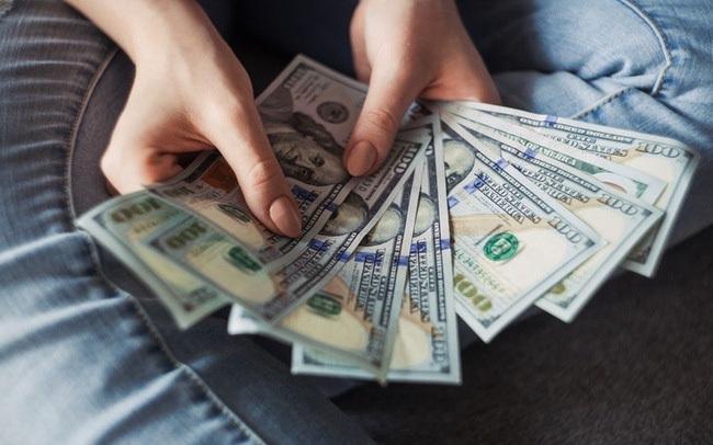 Làm ngày làm đêm mong kiếm thật nhiều tiền, phụ nữ vẫn không mua được 8 thứ này dù giàu có cách mấy