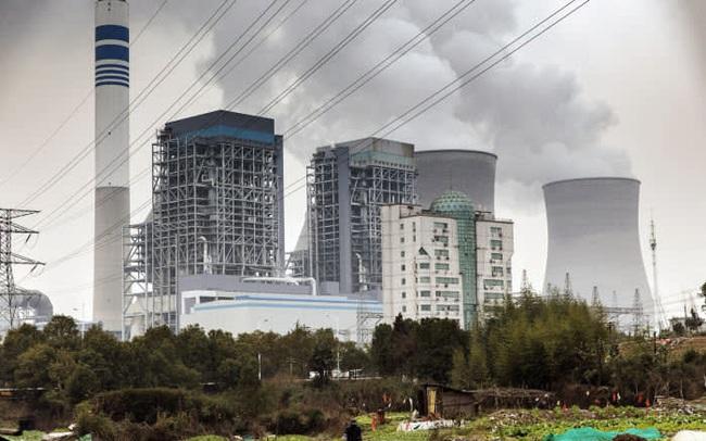 Trung Quốc đổi chính sách về năng lượng sạch, khiến công ty đầu ngành chìm trong cảnh vỡ nợ