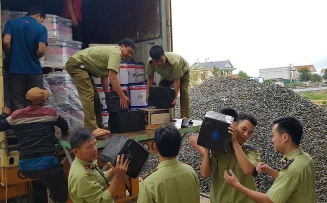 Thu giữ hơn 3.000 chai rượu ngoại nhập lậu trị giá gần 1,5 tỷ đồng tại Quảng Bình