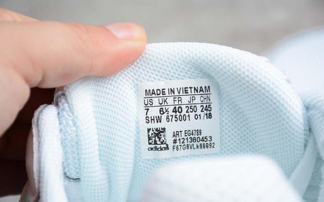 Báo Trung Quốc: Các ông lớn thời trang thế giới đang chọn Việt Nam để sản xuất giày dép
