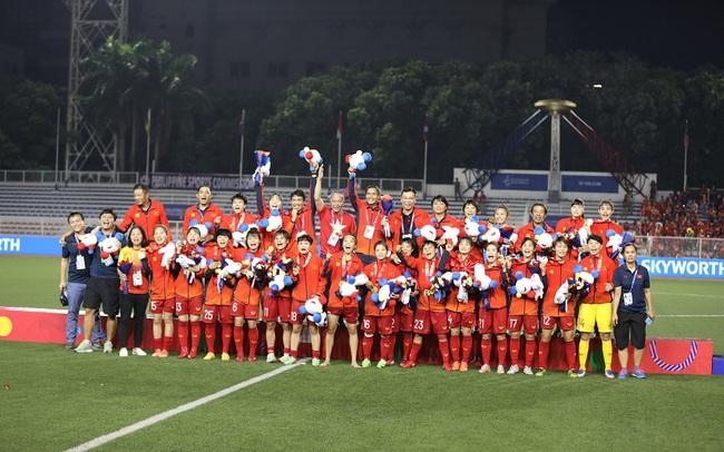 Vingroup thưởng cho tất cả các VĐV Việt Nam giành huy chương tại SEA Games 30, riêng đội tuyển bóng đá nữ mỗi cầu thủ được tặng 1 xe VinFast Klara