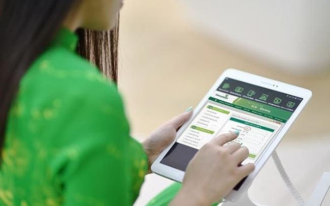 Có nên cho phép phong tỏa tài khoản lấy lại tiền cho khách khi chuyển nhầm tài khoản?