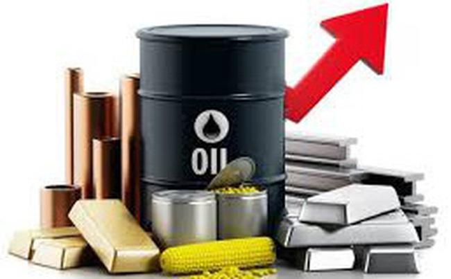 Thị trường ngày 14/12: Dầu tăng vọt lên cao nhất hơn 3 tháng, vàng cũng tăng mạnh