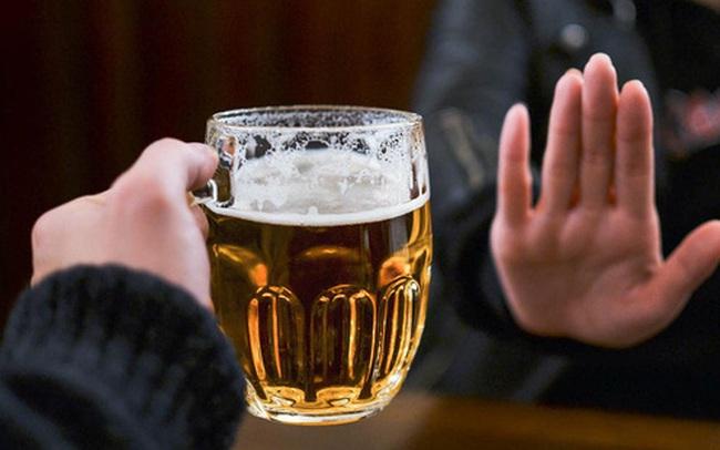 Đây chính là những lợi ích sức khỏe bạn dễ dàng có được khi từ bỏ đồ uống có cồn!