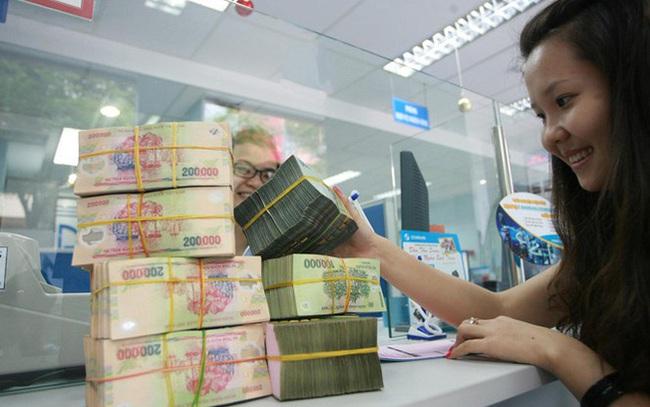 Ngân hàng V. thưởng Tết 5 tháng lương, chi trả sau Tết Dương lịch