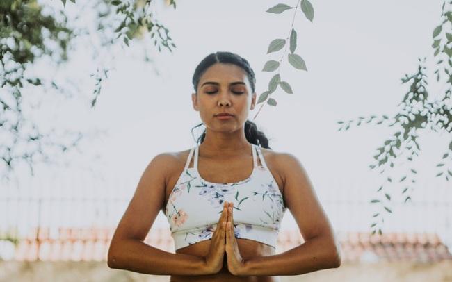 Thiền định không khó như bạn nghĩ: Dẹp bỏ được 6 tư tưởng sai lầm này, tôi đã thực hành thành công dù từng ghét cay ghét đắng