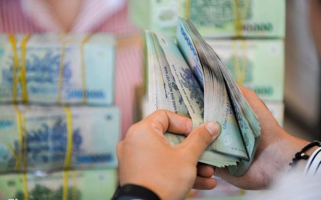 Ngân hàng S. thưởng Tết Dương lịch 2 tháng lương