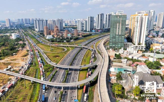 Ngỡ ngàng với những cái nhất của bất động sản TP.HCM năm 2019: Giá rẻ nhất thế giới, đáng đầu tư bậc nhất châu Á!