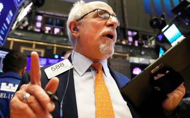 Chứng khoán Mỹ hồi phục nhẹ sau khi đón nhận thông tin tích cực về thoả thuận thương mại, Dow Jones tăng gần 150 điểm
