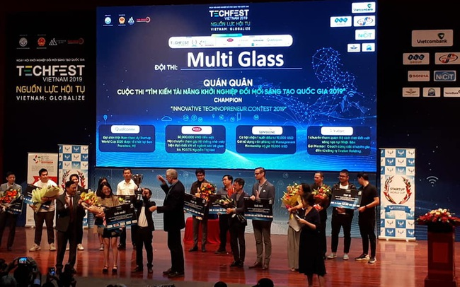 Thiết bị giao tiếp thông minh hỗ trợ người khuyết tật sử dụng máy tính MultiGlass vô địch Techfest 2019