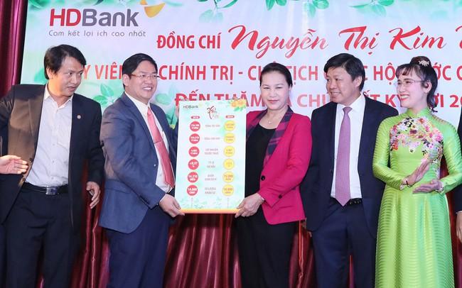 Chủ tịch Quốc hội Nguyễn Thị Kim Ngân chúc HDBank, Vietjet vươn tầm quốc tế