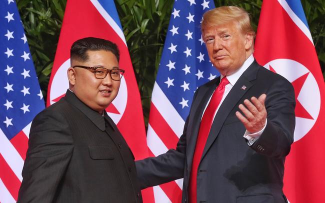 Từ Singapore đến Hà Nội: Con đường ngoại giao gập ghềnh của ông Trump và ông Kim Jong-un