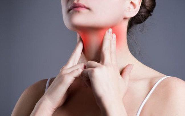 Nếu thường đau họng vào mùa xuân có thể là dấu hiệu cho thấy bạn đang bị bệnh này
