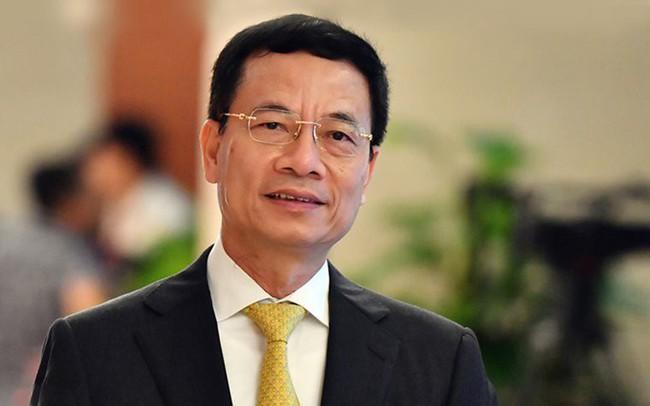 """Bộ trưởng Nguyễn Mạnh Hùng: Không chỉ lắp ráp, gia công sản phẩm công nghệ cho nước ngoài, """"make in Vietnam"""" sẽ là chiến lược mới của chúng ta!"""