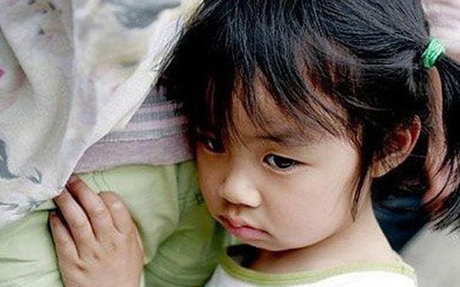 Điệp khúc quen thuộc của phần lớn cha Việt đang giết chết sự tự tin của trẻ, khiến các bé lớn lên vừa yếu vừa nhát, không làm được chuyện lớn