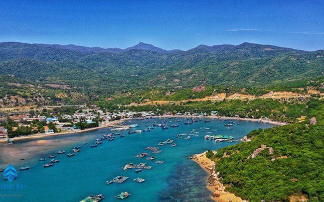 Tập đoàn Crystal Bay cùng đối tác động thổ và giới thiệu dự án tổ hợp nghỉ dưỡng 4.500 tỉ đồng Ninh Thuận