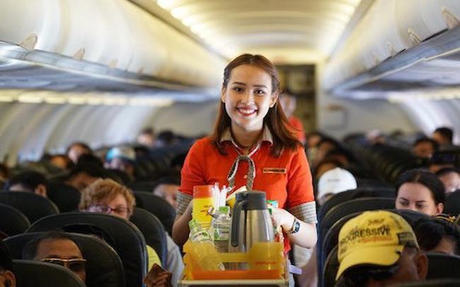 """""""Mì tôm và gấu bông """": Vietjet Air đang hái quả ngọt từ các dịch vụ phụ trợ như thế nào?"""