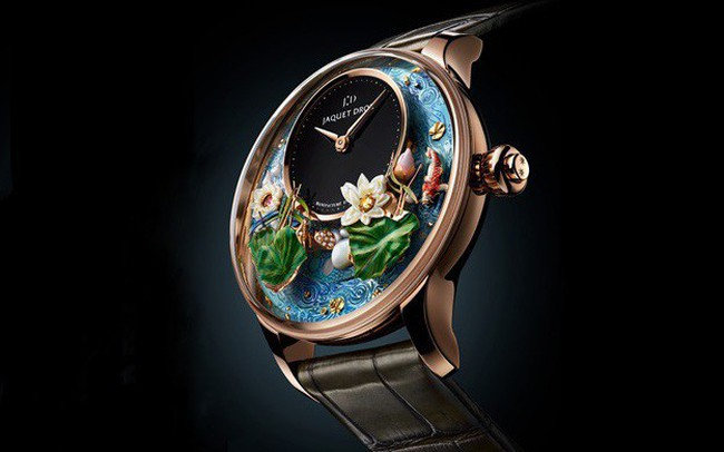 Jaquet Droz đưa bức hoạ động đầm sen, cá Koi và chuồn chuồn lên đồng hồ Magic Lotus Automaton