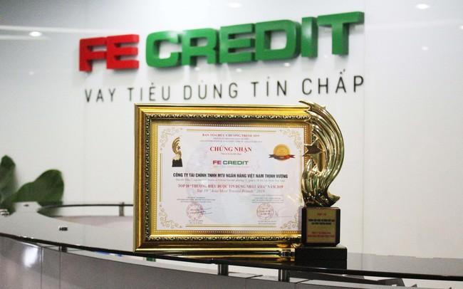 """FE CREDIT được vinh danh """"Top 10 doanh nghiệp được tin dùng nhất Châu Á"""" tại diễn dàn Kinh tế Quốc Tế Asia 2019"""