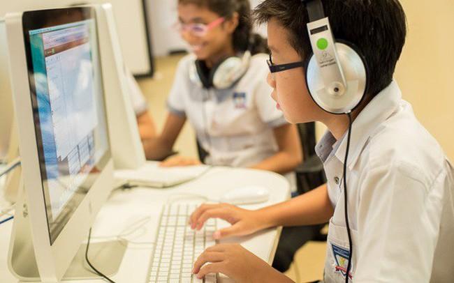 """4 cách giúp học sinh """"an toàn"""" khi học trực tuyến"""