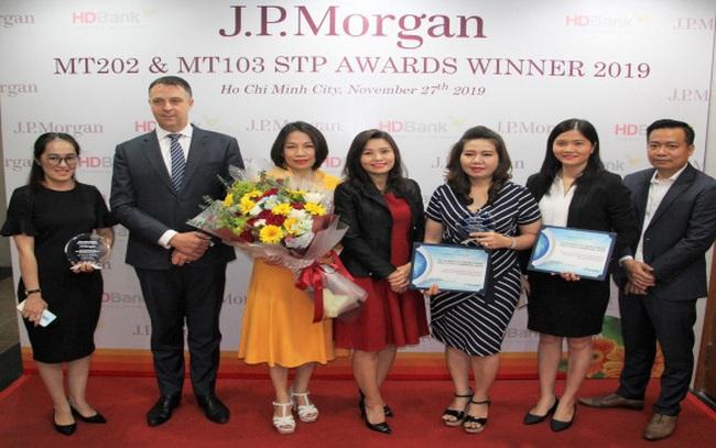 Dịch vụ thanh toán quốc tế của HDBank 2 năm liền nhận giải thưởng từ Ngân hàng Mỹ