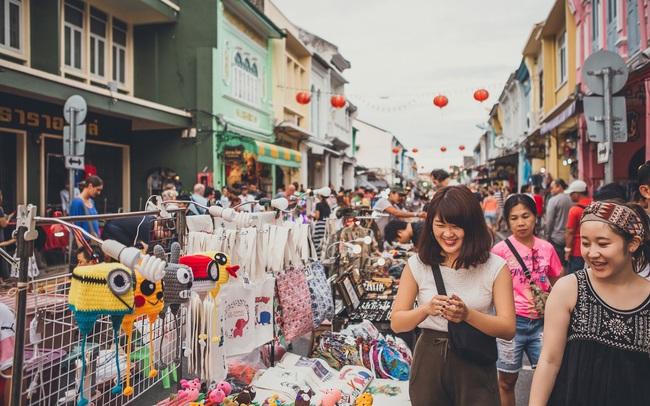Học Singapore, Hạ Long kích thích chi tiêu bằng sản phẩm độc đáo