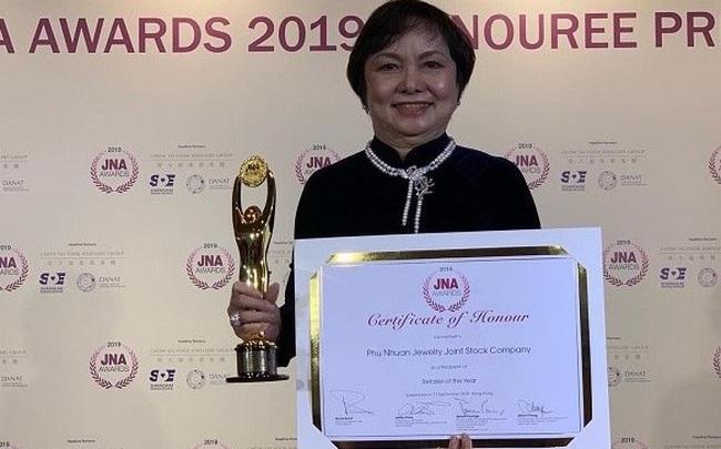 Chủ tịch PNJ – Cao Thị Ngọc Dung người Việt Nam đầu tiên được JNA vinh danh người Trọn đời cho ngành kim hoàn châu Á - ảnh 1