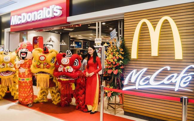 Tưng bừng khai trương nhà hàng McDonald's thứ ba tại Hà Nội - Vincom Trần Duy Hưng