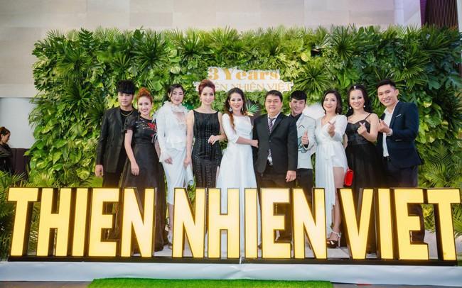"""Quỹ từ thiện """" Nhuộm xanh Thế giới"""" thành lập và ra mắt nhân dịp kỉ niệm sinh nhật 3 năm của Công ty Thiên Nhiên Việt."""