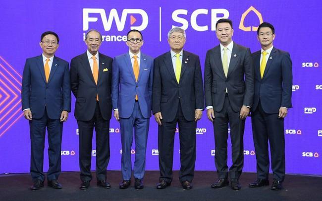 """Tập đoàn FWD phát triển ngoạn mục với những cái """"bắt tay"""" lịch sử với ngân hàng"""
