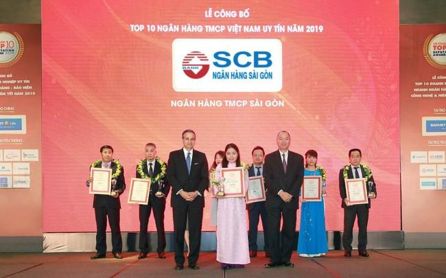 """SCB nhận danh hiệu """"Top 10 ngân hàng thương mại cổ phần tư nhân uy tín năm 2019"""" từ Vietnam Report"""