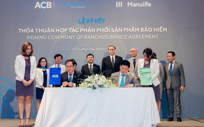 Manulife Việt Nam và ACB hợp tác phân phối bảo hiểm đến phân khúc khách hàng cao cấp