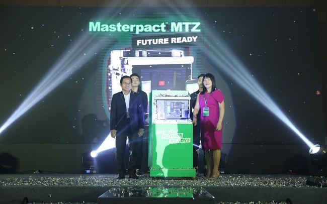 Schneider Electric ra mắt dòng sản phẩm máy cắt hạ thế Masterpact MTZ Future Ready