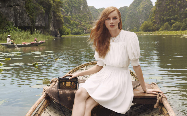 Đi tìm con tàu đỏ đẹp lạ kỳ trong những shoot hình bộ sưu tập mới của Louis Vuitton