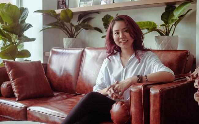 """""""Dare to big dream"""": Hành trình của cô nàng văn phòng Việt Anh trở thành nhà điều hành startup công nghệ"""