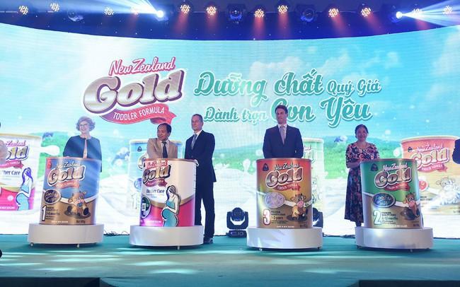 Một hãng dược uy tín hàng đầu Việt Nam đã tiên phong kiểm định chất lượng nguồn sữa thiên nhiên từ New Zealand