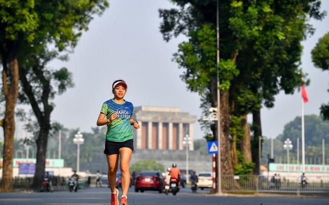 """""""VPBank Hanoi Marathon– Run & Share""""  nâng bước em tới trường"""