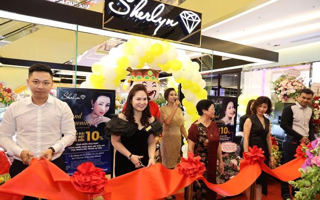 Sherlyn Diamond chính thức khai trương showroom thứ năm tại Vincom Trần Duy Hưng