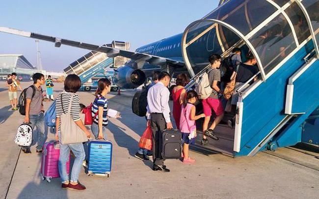 """Người Việt nay đã hết than chuyện """"Mua vé máy bay với giá trên trời"""""""