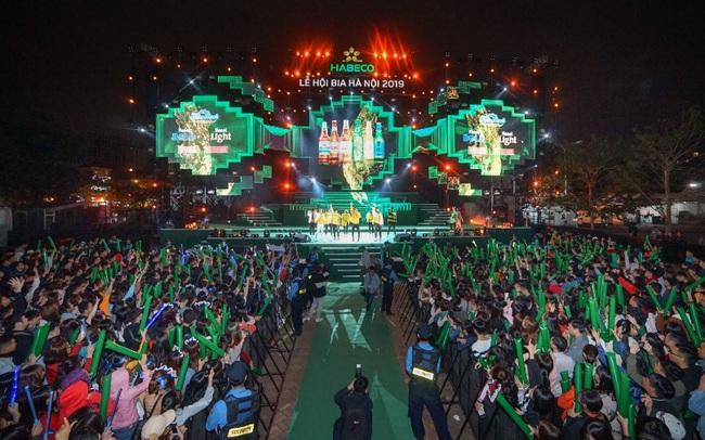 """Hàng ngàn du khách tham dự Lễ hội Bia Hà Nội 2019 """"cháy"""" hết mình cùng đội tuyển U22 Việt Nam"""