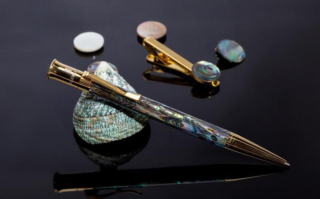 Bút Ngọc Trai - Một phần tư thế kỷ khai nhịp tri thức