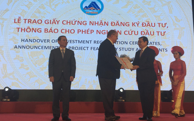 Đà Nẵng: Trao giấy chứng nhận và quyết định đầu tư 8 dự án với tổng vốn gần 500 triệu USD