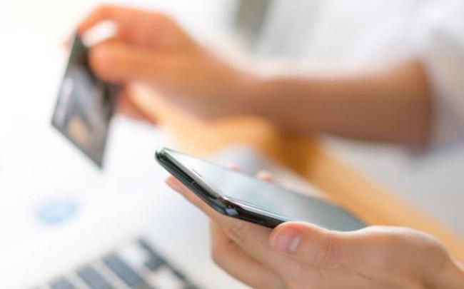"""Vietcombank ra mắt 2 tính năng mới """"Gửi quà may mắn"""" và """"Quản lý tài khoản cá nhân"""" trên VCB-Mobile B@nking"""
