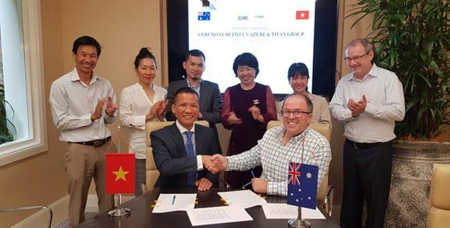 Lễ kí kết hợp đồng đại lý giữa Titan Group vàchủ đầu tưAzure (Australia)
