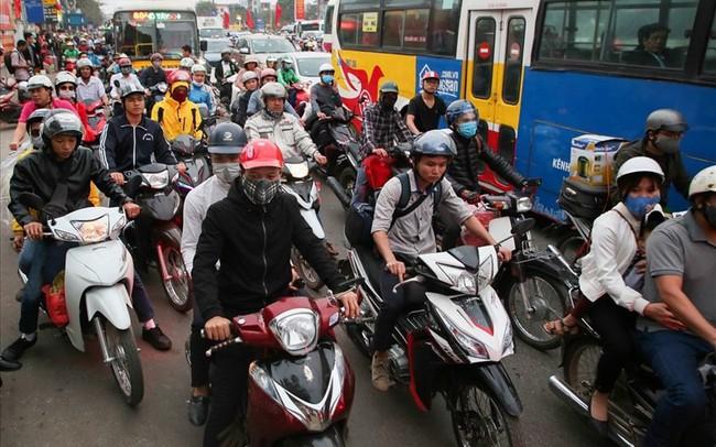 Thí điểm cấm xe máy đường Lê Văn Lương-Nguyễn Trãi: Đằng nào cũng thua